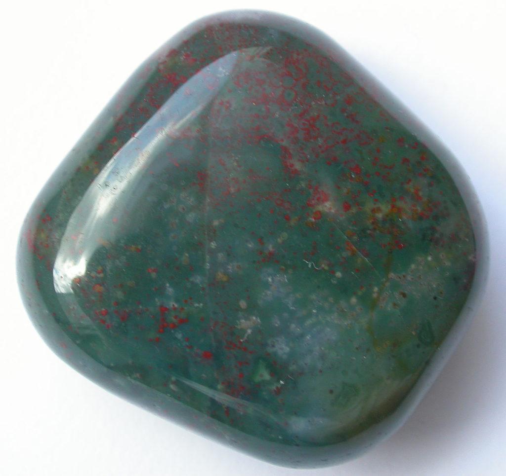 Какие камни подходят Ракам по гороскопу