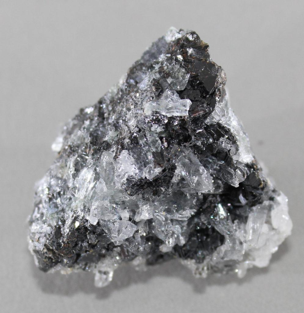 Минералы: фото с названиями и описанием, виды природных камней и их классификация