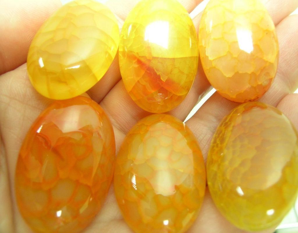 Камни желтого оттенка