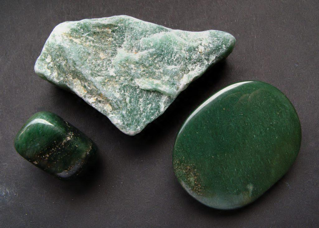 Какие камни подходят Рыбам по дате рождения