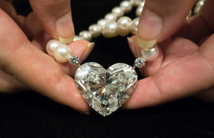 Камень алмаз: описание, свойства, кому подходит по знаку зодиака