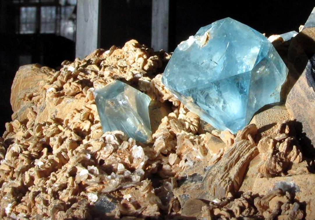 Какие камни подходят Весам в качестве талисманов?