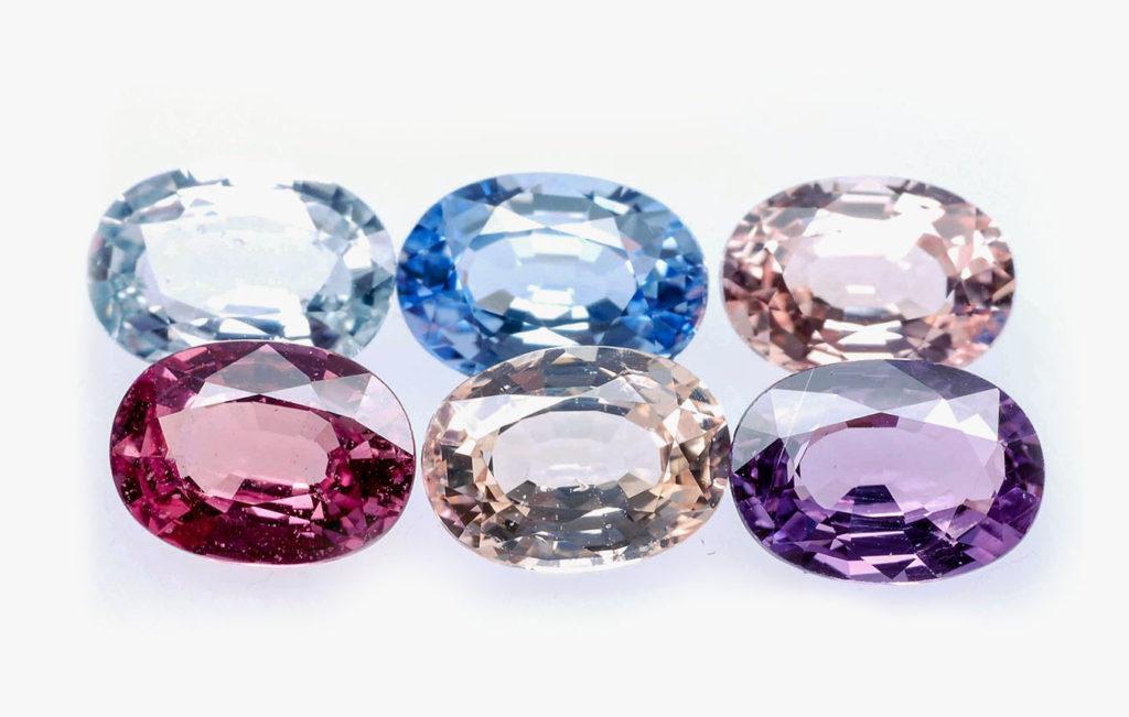 Фиолетовый камень (55 фото): драгоценный и полудрагоценный кристалл, сиреневый и лиловый поделочный минерал