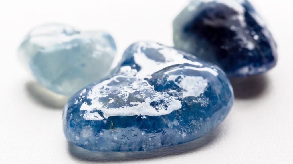 Камень нефрит для водолея