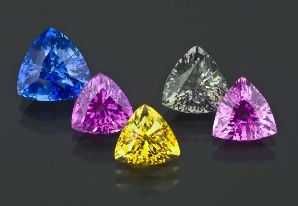 Cвойства камня сапфир для любого знака зодиака