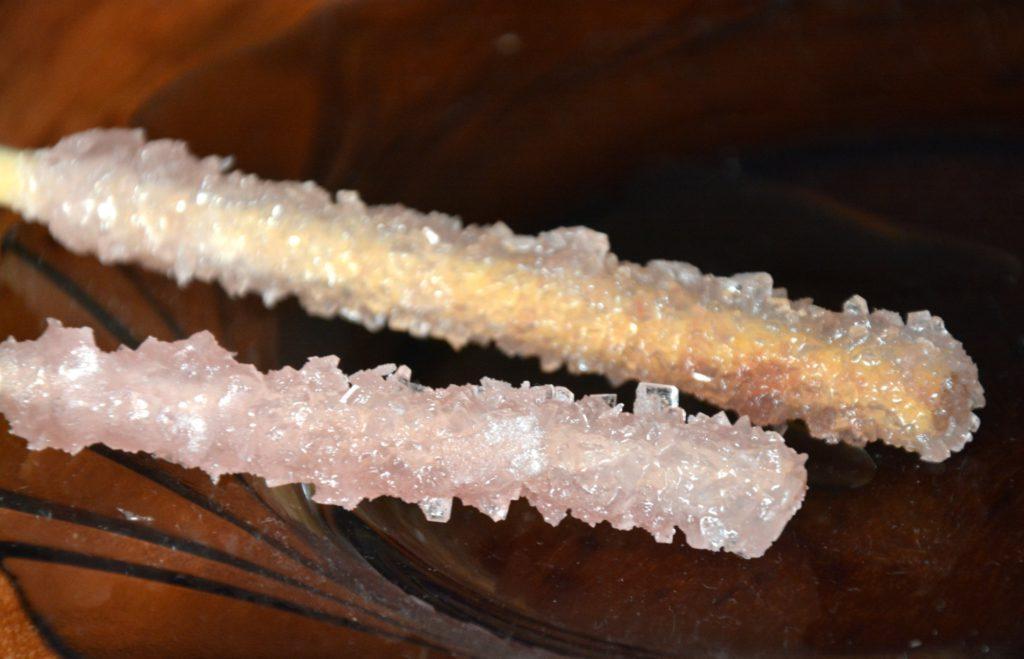 Как вырастить кристалл из соли, сахара или медного купороса в домашних условиях?